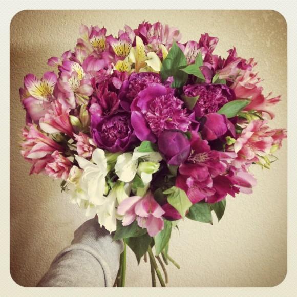 flowerアルストロメリアと芍薬