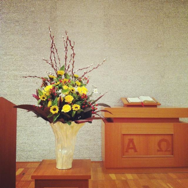 フラワーアレンジメント201504_2 教会への生け込み